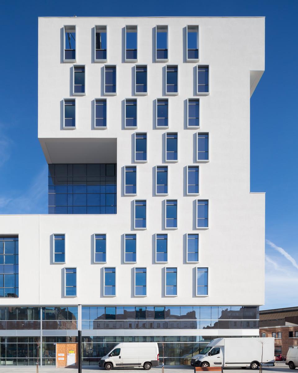 Turgot Magellan est un ensemble immobilier associant 107 chambres d'hôtels, bureaux et commerces.